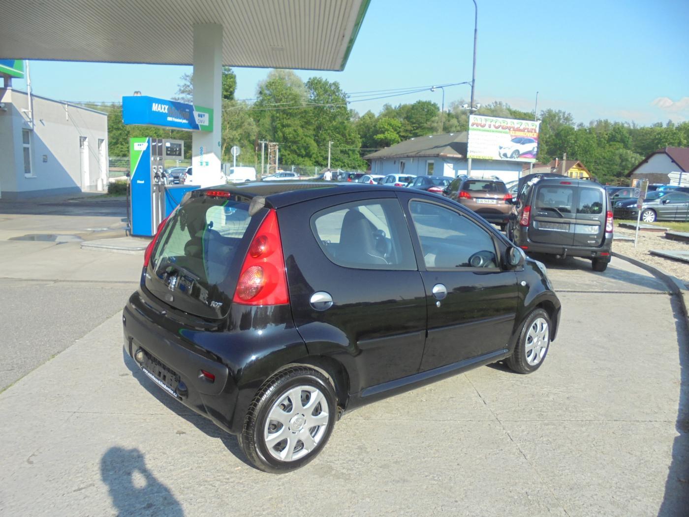 Peugeot 107 1,0 i