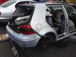 Volkswagen Golf 1.8 20V 4X4 2000 pouze díly