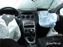 Peugeot 308 1.4i CZ doklady, jen díly