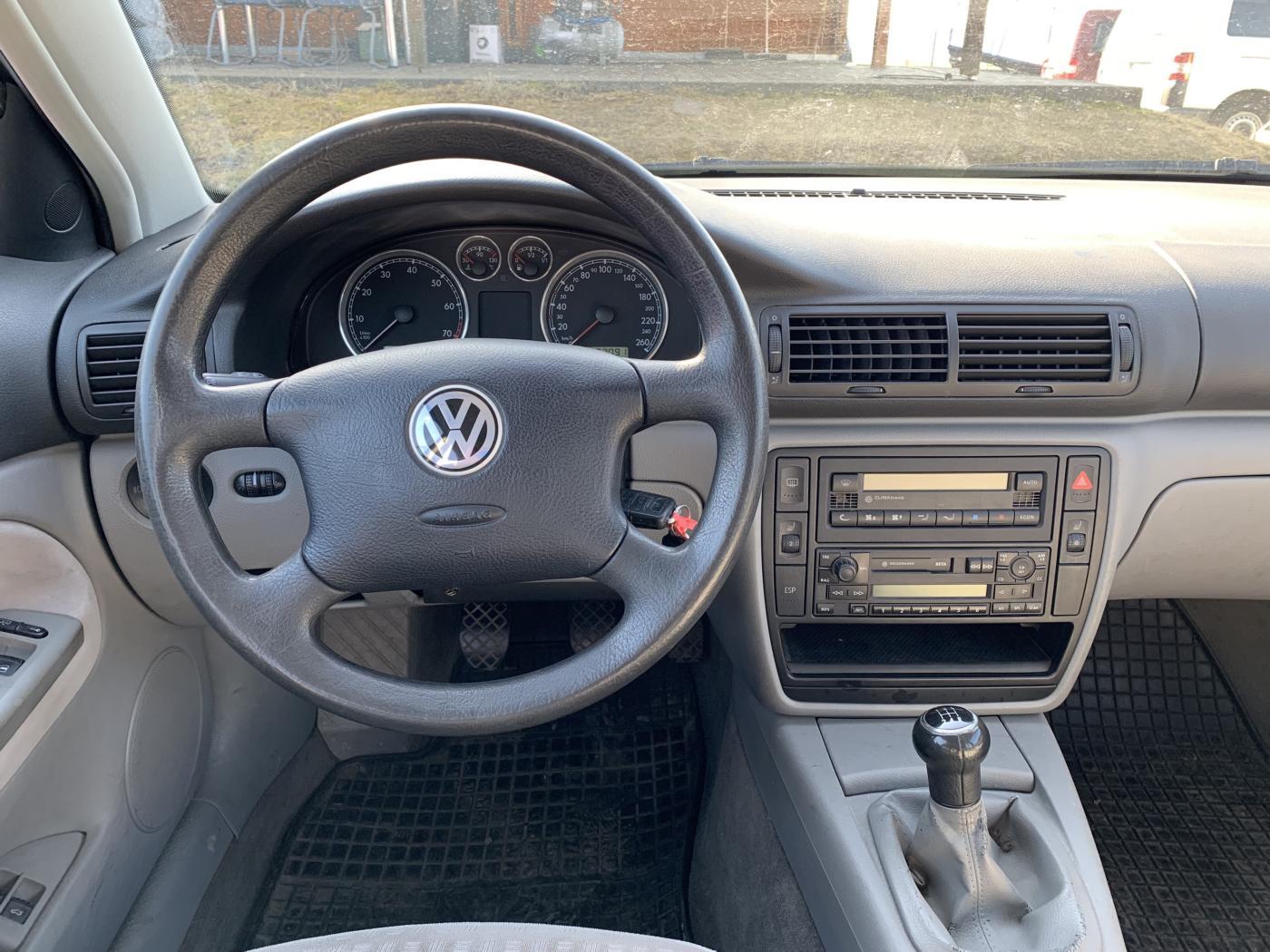 Volkswagen Passat 1,6i 16V