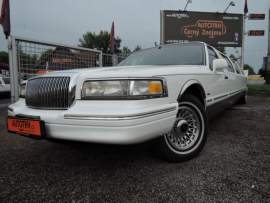 Lincoln Town Car Limuzína 9.m Pronájem