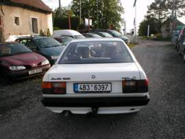 Audi 100 1,8